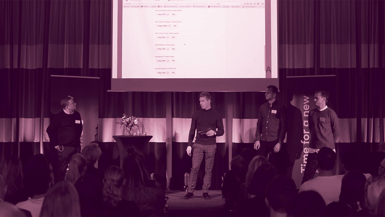 Mikael föreläser tillsammans med Branäs och deras mediebyrå